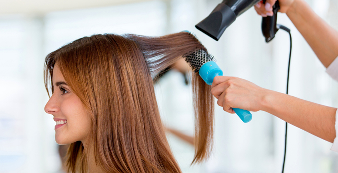 Женская стрижка и укладка в салоне красоты «Монро»