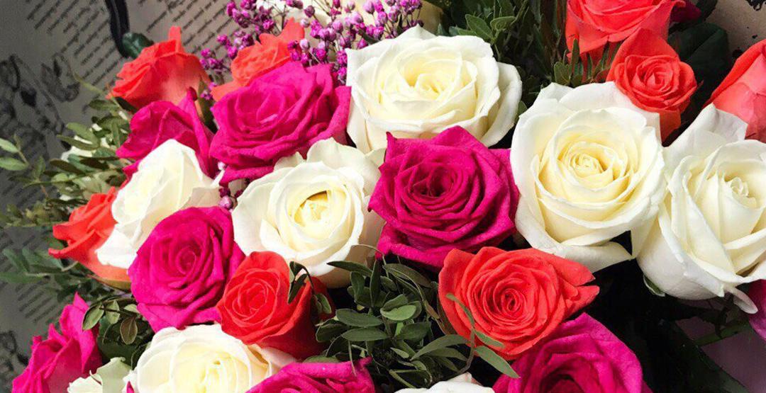 Розы «Эквадор» 50-60 см от компании «Цветы от склада»