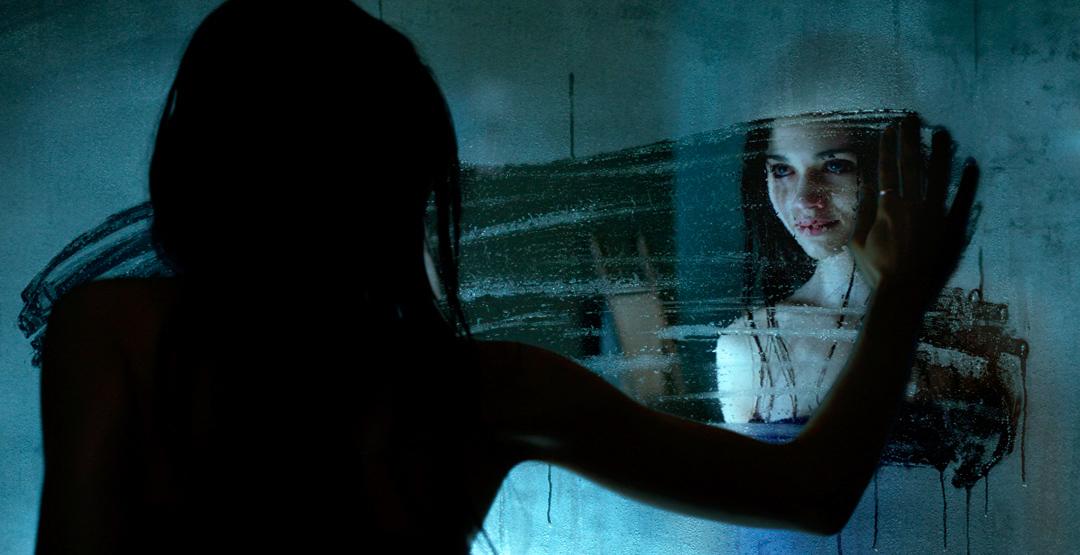 Фильм «Тёмное зеркало» в кинотеатре «Россия»
