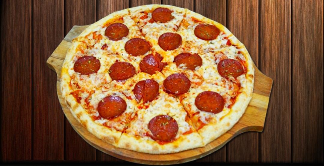 """Сет«Хот-Сет» + Пицца (30 см) """"Пепперони"""" или """"Мясная"""" на выбор от службы доставки роллов «БанЗаяц»"""