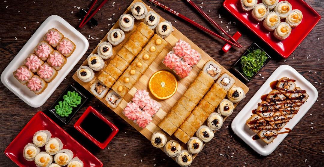 Горячий сет «Николина» 2,6 кг 88 кусочков от компании «Апельсин» + апельсин в подарок
