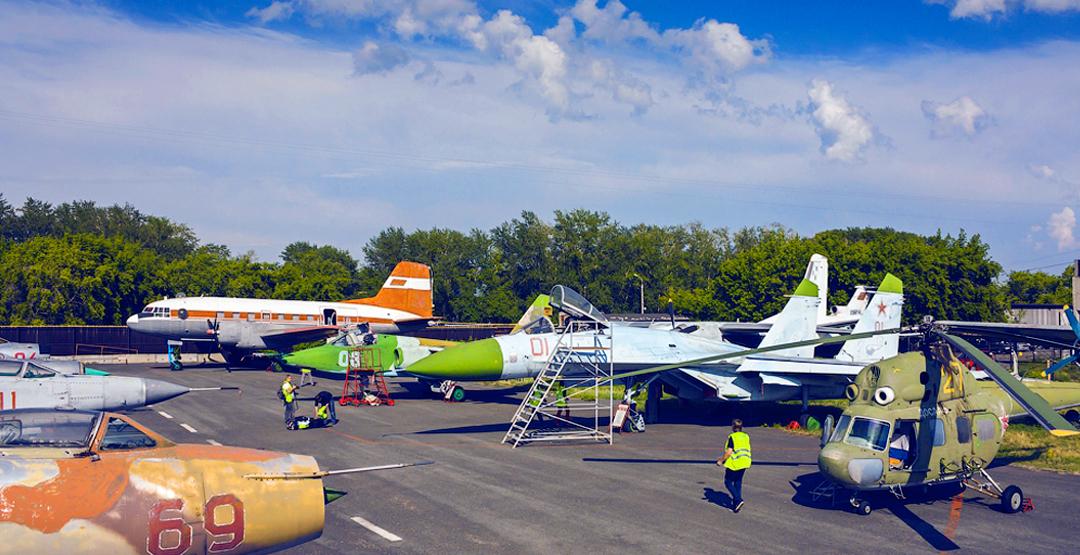 Посещение авиационного музея для детей и взрослых