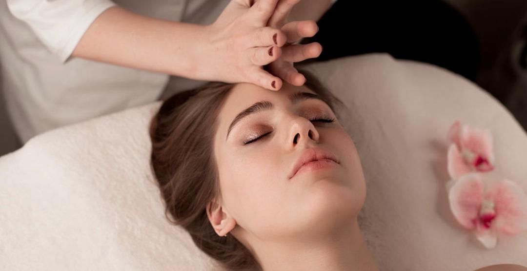 Миофасциальный массаж лица, шеи, декольте и головы